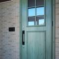 カントリー風玄関ドア、悩んで決めたお気に入り